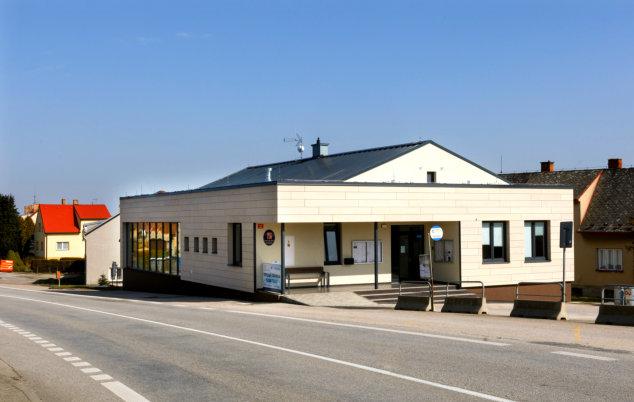 Obecní úřad (pohled zvenku)